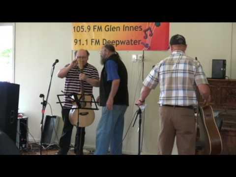 2 CBD FM Glen Innes Chartity concert 2