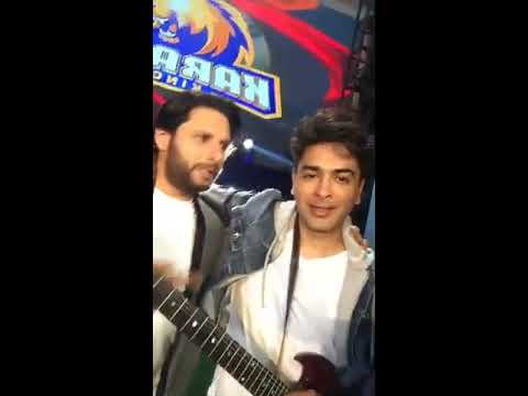 SHAHID AFRIDI sing a song  in shooting of karachi Kings