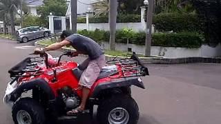 Pamer kekuatan ATV 250cc