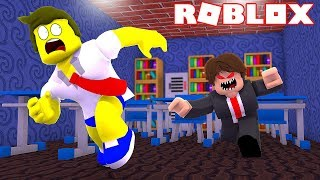 ESCAPE FROM THE HAUNTED SCHOOL IN ROBLOX