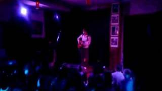 Kings of Convenience - Singing Softly To Me (live in Moscow)