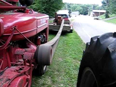 Farmall M Running A Gehl 41 Belt Drive Hammer Mill