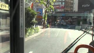 鳩が走行中のバスの窓ガラスに衝突! 【都営バス】