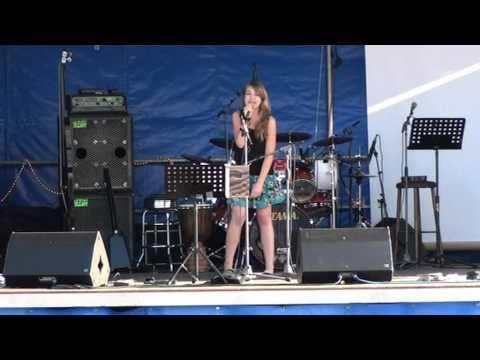 Laura Ries singt Evacuate the Dancefloor / Cascada ; Käfertreffen 2O1O