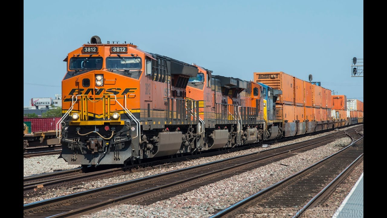 4K - Fast Trains at Commerce, California - BNSF ACe Leader, CSX, & NS  Action Included!