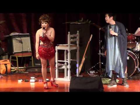 Viet Huong+Hoai Tam in Holland 2011 [25/35]_hai kich Than Dieu Dai Hiep...thoi nay