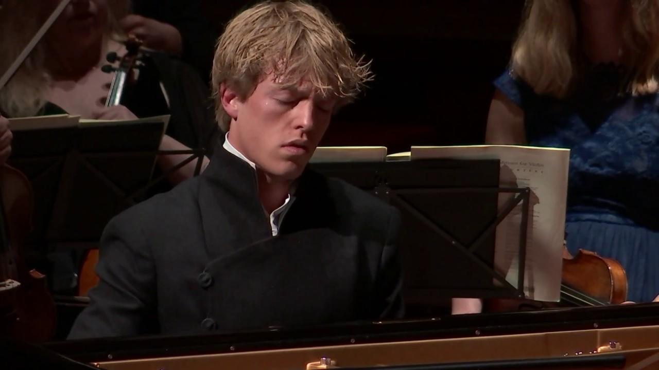 Пианисты братья лукас и артур юссен фото