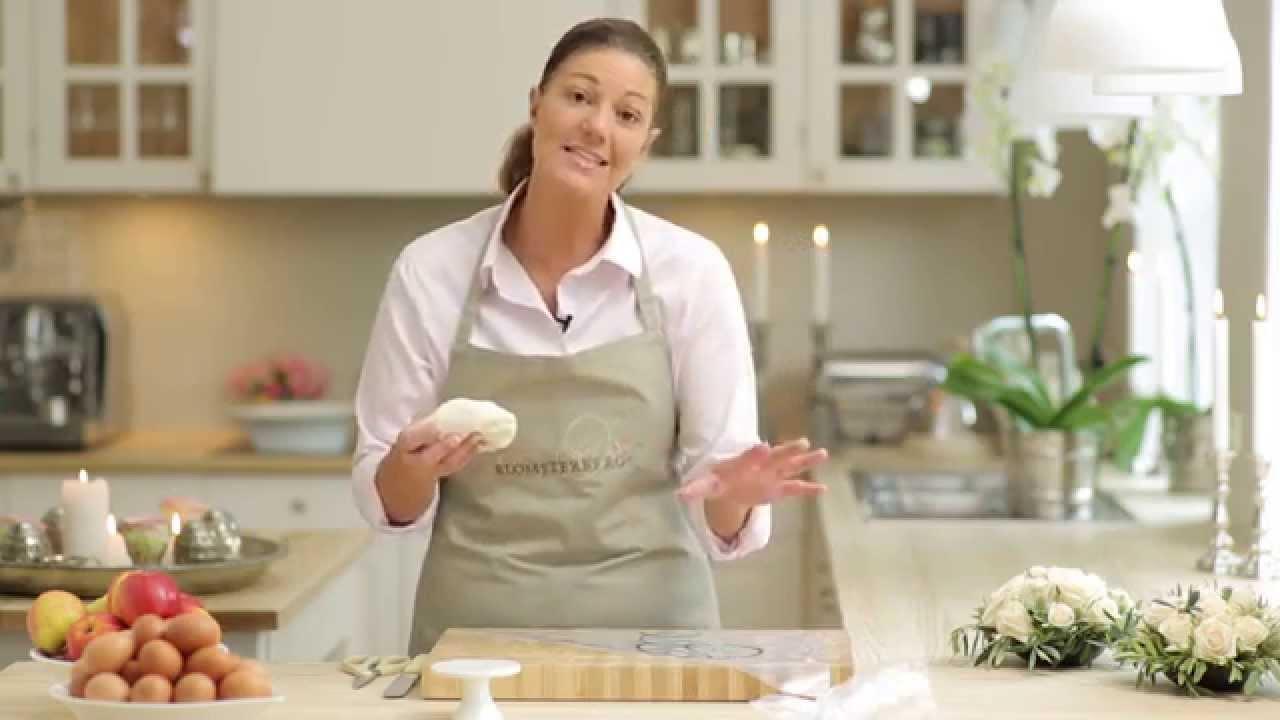 Sådan laver du en marcipanrose I Mette Blomsterberg