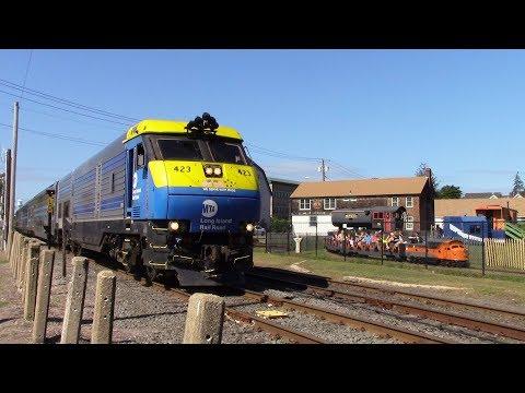 LIRR: DE30AC 423 Leads a 3 Car Train with the 1964-1965 World's Fair Train Horn Battle at Riverhead