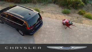 homepage tile video photo for Chrysler Pacifica   360* Surround View Camera