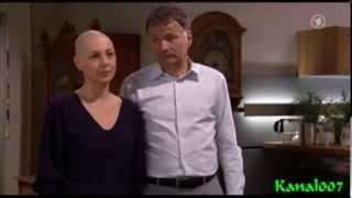 In aller Freundschaft : Pia Heilmann (Hendrikje Fitz) rasierte sich eine Glatze
