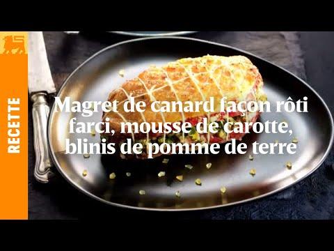 Magret de canard façon rôti farci, mousse de carottes et blinis de pomme de terre