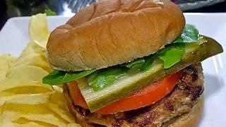 Easy Turkey Burgers Recipe: How to make JUICY, flavorful turkey burgers!
