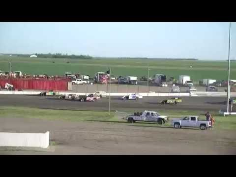 Red River Valley Speedway 06/10/2016 - IMCA Modifieds Heat 4