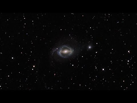 Zooming onto the galaxies NGC 1512 and NGC 1510