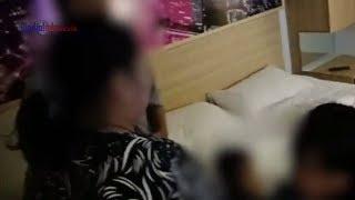 Download Video VIDEO: Suami Jual Istri untuk Threesome dengan Pria Lain MP3 3GP MP4