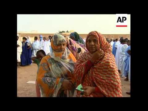 Post-coup Mauritania election begins; voters at polling station
