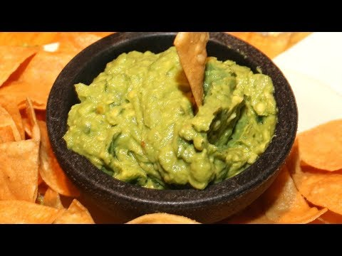 The Easy Hack That Keeps Your Guacamole From Turning Brown