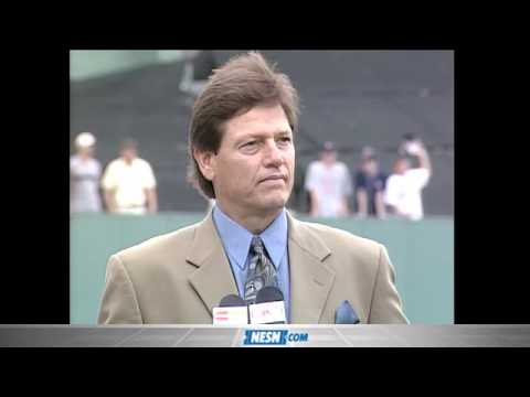 Carlton Fisk Reflects on Red Sox Career During Number Retirement Ceremony in 2000