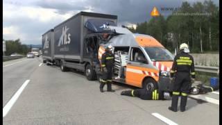 23072014 Auffahrunfall A2 Lkw gegen Asfinag Streckendienst