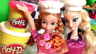 Queen Elsa Making Play Doh Pizza with Princess Anna Barbie + Cookie Monster Disney Frozen dolls