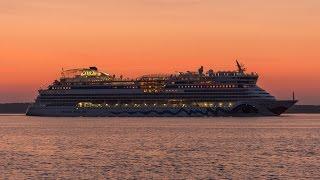 AIDAbella und Costa Neoromantica auf dem Weg nach Hamburg 13.06.2015
