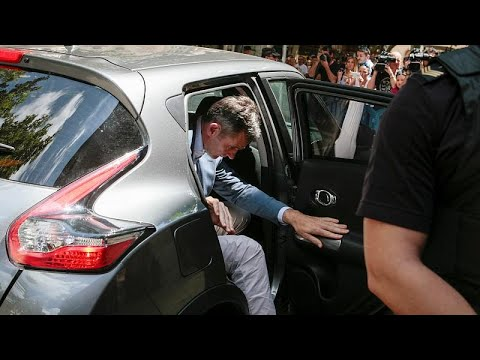 زوج شقيقة ملك اسبانيا يسلم نفسه للسلطات لتنفيذ عقوبة السجن 5 سنوات …  - نشر قبل 5 دقيقة