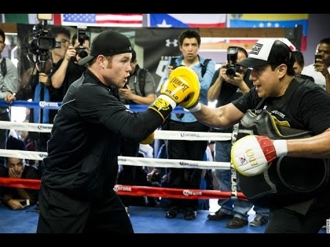 Canelo Alvarez Shows Power Combos In Fast Mitts Workout - esnews boxing