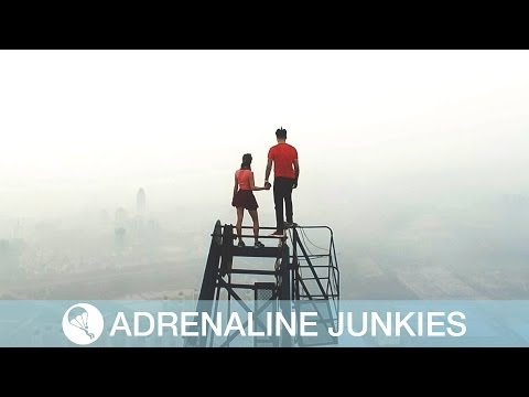 World's Most Extreme Date? Daring Couple Climb to Cloud 9