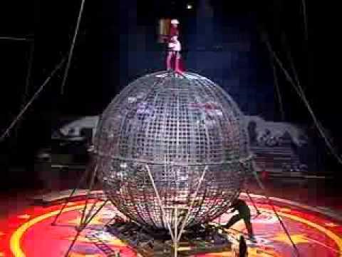 Stefani Art present Globe of death with 5 motors Columbia