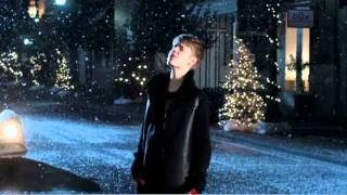 Justin Bieber - Mistletoe (Official Music Video)(, 2011-10-20T10:38:27.000Z)