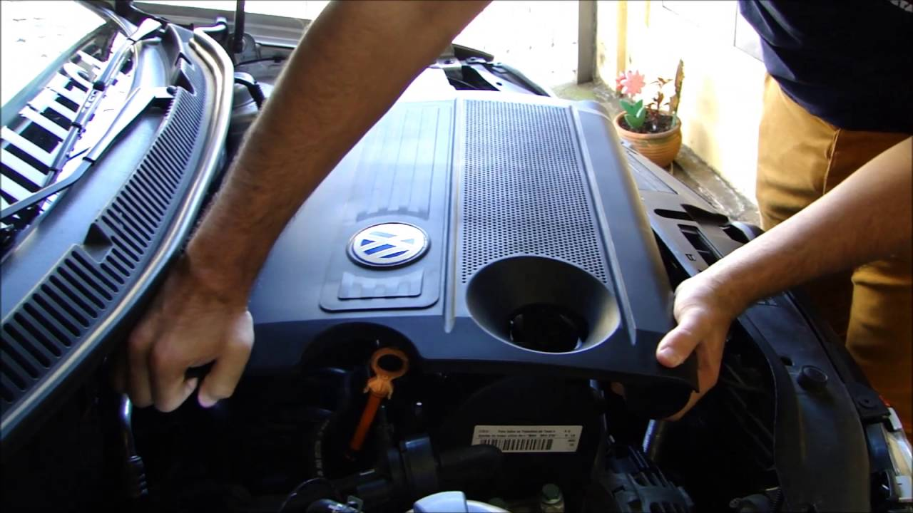 Como remover a tampa do motor Volkswagen Polo 2003 1.6 - YouTube