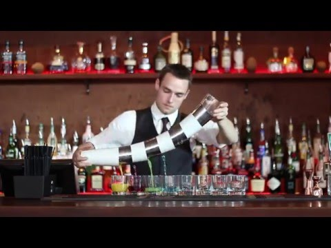 Danish Flair Bartender shows his set of Skills!