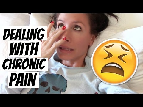 DEALING WITH CHRONIC PAIN | VLOGMAS