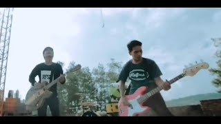 Stand Here Alone Korban Lelaki Mixing Official Video