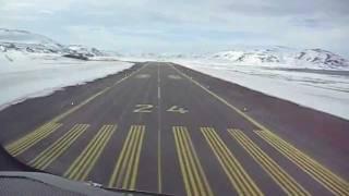 Wideroe Dash 8 cockpit view landing at Berlevåg Norway