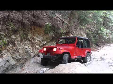Jeep yj wheeling Gatekeeper at eagle mountain.