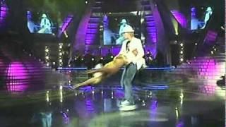 Lucie Borhyová - Bailando