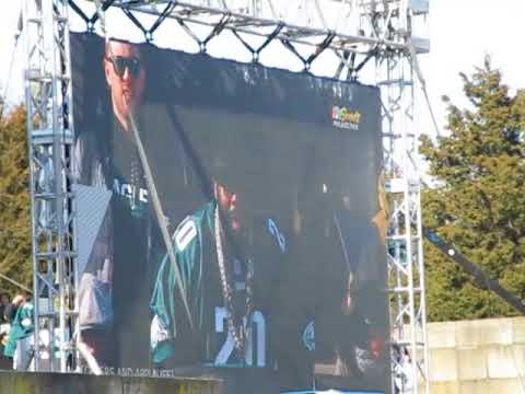 Jason Peters Speaks At The Philadelphia Eagles Superbowl Parade Celebration!