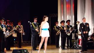 Elise_Vito_enchanting_performance_with_a_military_band_2013