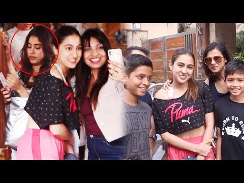 Janhvi Kapoor JEALOUS Of Sara Ali Khan Getting More Attention Than Her In Public