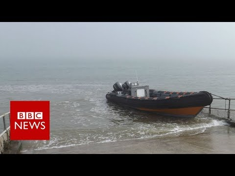 Why are migrants risking death to cross the English Channel? - BBC News
