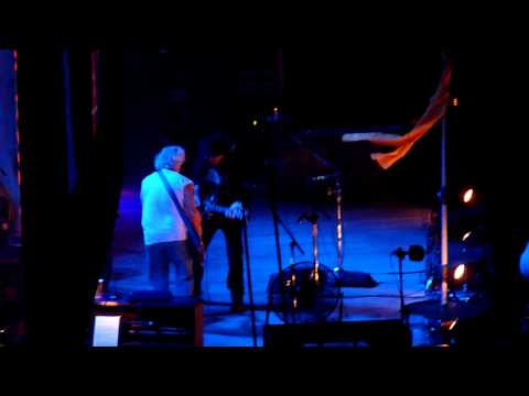 4   neil young -   Walk Like a Giant -  birmingham n e c   11   06   2013
