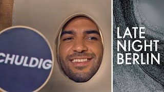 Elyas M'Barek im Massage-Interview | Late Night Berlin | ProSieben