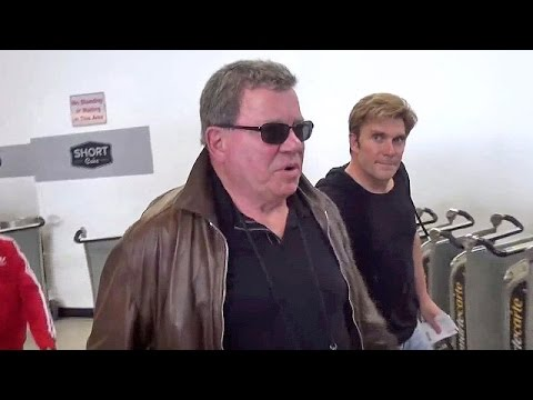 X17 EXCLUSIVE - William Shatner Still Not Willing To Speak About Leonard Nimoy At LAX