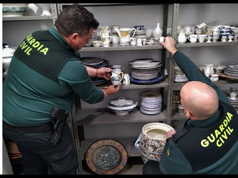 Dos detenidos por robar casi 400 piezas de porcelana de los siglos XVIII y XIX en Mula