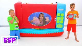 Divertida historia sobre Vlad y Niki jugando con microondas de juguete