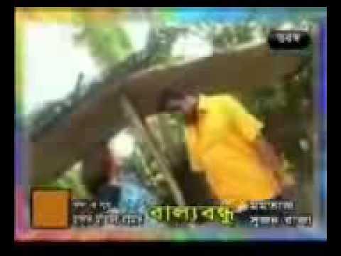 Bangla Folk Song O Rikshawala Tuy Dhire Dhire Chal Singer- Momotaz 3gp