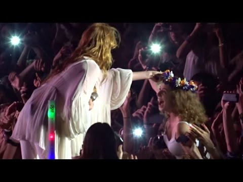 Florence + The Machine - Rabbit Heart (Raise It Up) @ Live 2015