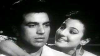 Koi Kehde Kehde - Asha Bhosle, Tanuja, Baharen Phir Bhi Aayengi Song